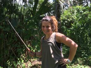 Chloé, future ingénieure agronome, en stage reforestation chez Ishpingo